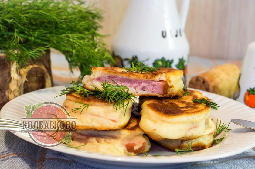 горячая закуска с колбасой