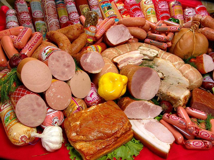 огромный выбор колбас