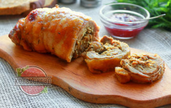 Рулет из индейки в духовке: вкусный кулинарный рецепт с фото